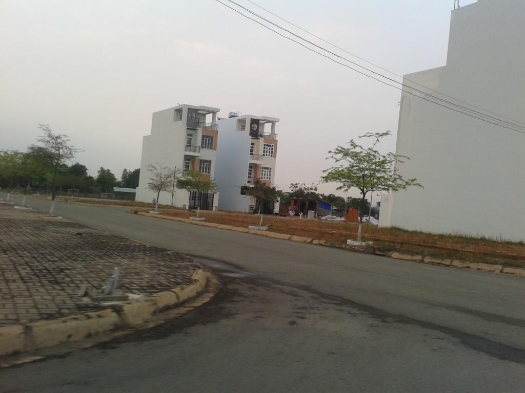 Bán Lô J13 mỹ phước 3 Bình Dương giá rẻ mặt tiền đường 16m khu trung tâm hành chánh